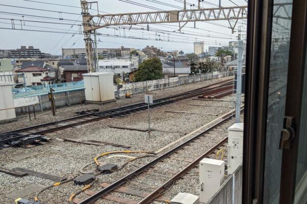 窓からの見える線路